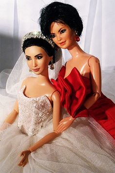 Someone designed a wedding for Kim Kardashian & Kanye West using Barbie dolls. This should not exist.