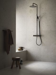 Beige + Brown bathroom inspiration | Pella Hedeby – Stilinspiration Bathroom Design Inspiration, Modern Bathroom Design, Bathroom Interior Design, Interior Design Living Room, Scandinavian Bathroom Inspiration, Style Inspiration, Bathroom Goals, Bathroom Inspo, Brown Bathroom