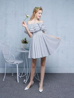 5 Dress Styles That Will Make You Look Thinner. While particular ladies wear products you see on the runway might look terrific on models, they might not look great on every woman. Grad Dresses, Homecoming Dresses, Bridal Dresses, Elegant Dresses, Cute Dresses, Beautiful Dresses, Dresses Dresses, Cheap Short Prom Dresses, Young Fashion
