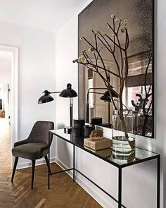 With classic aesthetics and simple details, who else can never get enough of some good minimal interiors? Keep scrolling for some serious interior inspo! Want some more interior inspo? Check out the below: Bathroom… View Post Design Entrée, Flur Design, House Design, Design Trends, Design Ideas, Modern Entryway, Entryway Decor, Table Mirror, Entryway Console