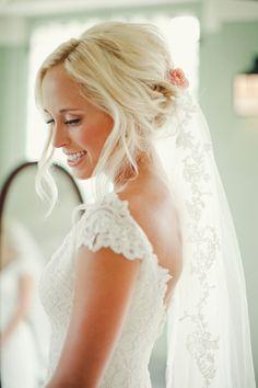 Lace Edge Bridal Veil | photography by http://thenicholsblog.com/