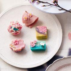 広尾にある日本画の専門美術館『山種美術館』内の「Cafe椿」。こちらでは、青山の菓子匠「菊家」にオーダした和菓子が楽しめます。今回、展覧会『桜さくらsak...
