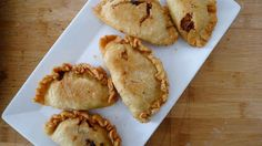 17 Delicious Dishes You Can Make With Leftover Lechon Filipino Recipes, Asian Recipes, Filipino Food, Lechon Recipe, Chicken Empanadas, Leftovers Recipes, Latin Food, Home Food, Pork Roast