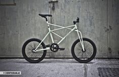 """ELEKTROKATZE (below) is a new """"street style"""" bike designed by Sonia Chow and Huschang Pourian"""