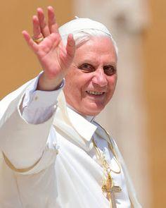 The Catholic Vita: The Bishop In White