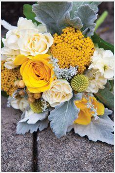 via   Aisle Candy  Photo   Mindy Hiatt Photography  Floral   JP Parker Flowers