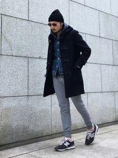 コーディネートの参考に。コート+スニーカーの素敵コーデをまとめたよ♪   キナリノ Mens Fashion Wear, Boy Fashion, Fashion Outfits, Smart Casual Men, Stylish Mens Outfits, Italian Fashion, Mens Suits, Autumn Winter Fashion, Menswear