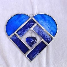 Stained Heart... ♥ ♥ ♥ this one I will do for my granddaughter... Lillian Grace <3 Stained Glass Designs, Stained Glass Projects, Stained Glass Patterns, Stained Glass Art, Mosaic Glass, Fused Glass, Stained Glass Ornaments, Stained Glass Suncatchers, Tiffany