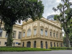 Palácio Guanabara, Sede do Governo do Estado do Rio de Janeiro, Brasil. | Antiga residência da Princesa Isabel, e da Família Imperial Brasileira que, ainda hoje, tenta reaver na justiça a posse de seu palácio.