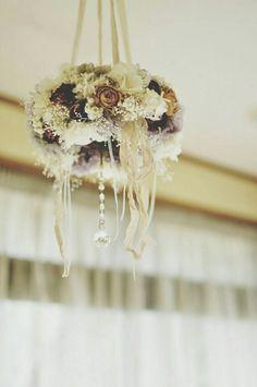 アンティークカラーのフライングリース。。webshop  Fleurette~ちいさな花~
