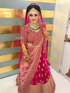 Wedding Lehenga Designs, Designer Bridal Lehenga, Indian Bridal Lehenga, Indian Bridal Outfits, Indian Bridal Fashion, Fancy Wedding Dresses, Bridal Dresses, Bridal Lehngas, Bengali Bridal Makeup