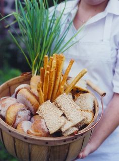 bushel of breads basket by Peter Callahan Catering Photo: Rachel McGinn:  clever for a alfresco buffet.