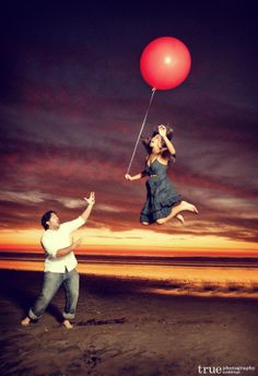 Fun-engagement-shoot-floating-balloon