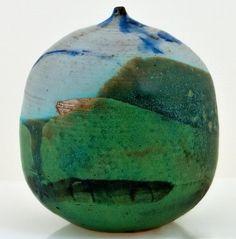 Toshiko Takaezu studio | rattle vase