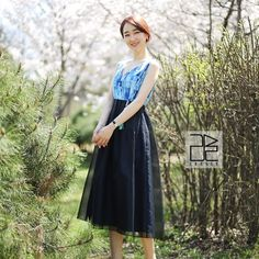 Double-sided Black Line Rose [Waist skirt] Korean Wave, Simple Lines, Traditional Outfits, Waist Skirt, Short Sleeve Dresses, Culture, Skirts, Modernism, Clothes