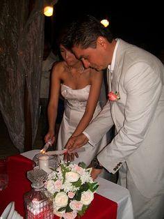 Ceremonia de la luz ideal para tu boda en playa por Bodas Huatulco