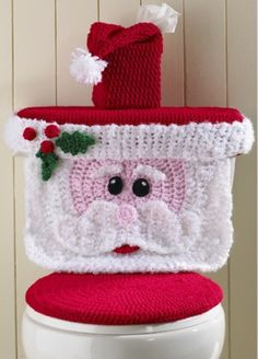Original Crochet Design by: Maggie Weldon Skill Level: Easy Size:Toilet Cover fits most standard household toilets. Kleenex cover is for square tissue boxes.Cute Crochet Toilet Seat Covers - How To InstructionsHow To Instructions - Page 76 of 170 - D Crochet Diy, Crochet Santa, Christmas Crochet Patterns, Holiday Crochet, Crochet Home, Crochet Crafts, Crochet Projects, Diy Crafts, Funny Crochet