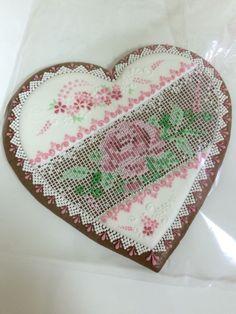 Piernikowe serce z różą