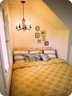 Bed nook>> I can't help but to question how one would change the sheets?