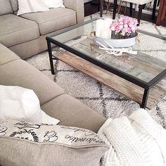 DIY IKEA hack coffee table, farmhouse style, farmhouse, from @juliecwarnock