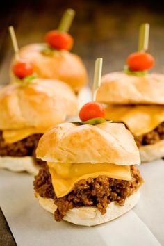 Mini-hambúrguer com Carne Moida
