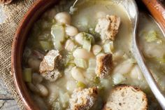 Recipe from Gourmet cookbook by Ruth ReichlThis is not the Minestrone that you… Greek Recipes, Soups And Stews, Hummus, Cravings, Healthy Recipes, Healthy Foods, Sweet Home, Thanksgiving, Gourmet