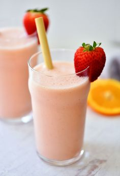 These Strawberry Orange Julius' are a delicious frozen drink that can be made in minutes! We like to serve these with a yummy brunch or on a summer day. Chicken Spinach Bake, Lunch Lady Brownies, Bacon Ranch Pasta Salad, Crab Salad, Frozen Orange Juice Concentrate, Best Pizza Dough, Orange Julius, Frozen Drinks, Delicious Dinner Recipes