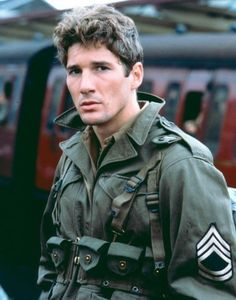 <3Richard Gere in the film Yanks, Which made me cry every time i saw it lol