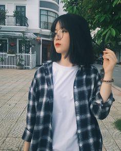 @trang._.thu Mode Ulzzang, Ulzzang Korean Girl, Cute Korean Girl, Cute Japanese Girl, Asian Girl, Ullzang Girls, Cute Girls, Korean Short Hair, Girl Short Hair