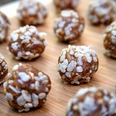 Pin for Later: Beat the Heat With a Raw Meal Plan You Can Whip Up in Minutes Afternoon Snack: Vegan Peanut Butter Balls Vegan Snacks, Healthy Treats, Healthy Desserts, Vegan Recipes, Snack Recipes, Dessert Recipes, Healthy Popcorn, Bar Recipes, Protein Recipes