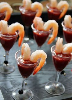12 Tiny Wedding Treats That Will Satisfy Big-Time: An individual order of shrimp cocktail is simple and seamless, so guests can munch as they mingle. Courtesy by Joe and Sue Wedding Food Menu, Wedding Snacks, Wedding Catering, Wedding Finger Foods, Food For Weddings, Baby Shower Finger Foods, Wedding Foods, Party Finger Foods, Baby Finger