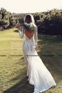 2017 Champagne and White Lace Elegant Long Sleeve Boho Sheath Wedding Dresses Vintage Inspired Backless Cheap Bohemian Wedding Gowns