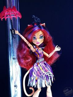 Photo credit : Paul Nicholasi (paulnomad on flickr). Toralei the tightrope walker from the upcoming Fall 2015 Monster High doll line Freak du Chic!