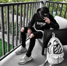 Urban Fashion, Boy Fashion, Mens Fashion, Zapatillas Adidas Yeezy, Tomboy Outfits, Cool Outfits, Men Looks, Yeezy Zebra, Zebra Shoes