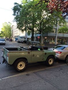 "Land Rover 88 Serie III soft top in ""city cabrio style"""