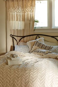 Make It Happen: Get Your Guest Room Guest-Ready The holidays are just around the corner.