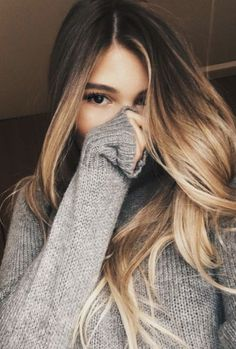Ombr� w framing balayage highlight.Blonde balayage with Brunette base. Grey Sweater. Knit oversized sweater. Affiliate.