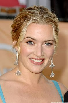 Kate Winslet - so beautiful!  Love her hair color & makeup