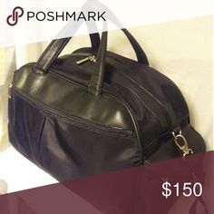 The Perfect Gym / Weekender Bag The perfect bag for the gym rat or weekend traveler in you. In great condition. Claim it NOW! Unknown Bags Luggage & Travel Bags