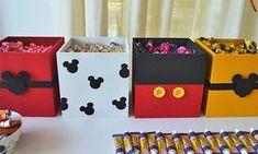 Personagem símbolo da Disney, o Mickey é conhecido e querido por todos. Que tal decorar o aniversário do seu filho com esse tema?