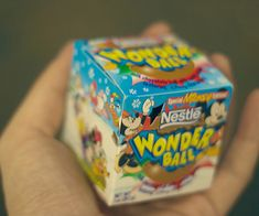 """""""Snack Foods From The 90's We Love"""" -- i just nostalgia-ed all over the place!!"""