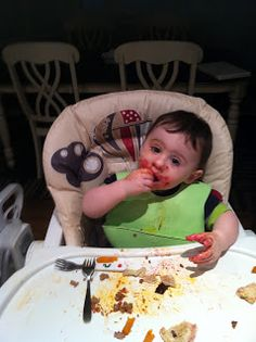100 Finger Foods for Infants: It can be an extremely messy stage but it is fantastic for your toddlers' development and it builds self-esteem