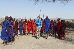 Juan Vicente en la competición de saltos masais