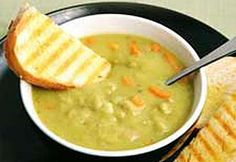Soupe aux pois—On peut remplacer l'os de jambon par 8 oz (250 g) de porc salé ou de bacon cru, hachés. Ajouter un peu d'eau à la soupe lorsqu'on réchauffe les restes.