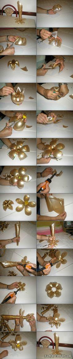 Plastic Vase, Plastic Bottle Flowers, Plastic Bottle Crafts, Recycle Plastic Bottles, Upcycled Crafts, Recycled Art, Recycled Bottles, Bottle Vase, Diy Flowers
