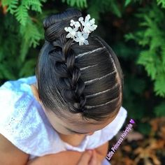 Girl hairstyles 111886371978186452 - Easter Hair Inspiration for Little Girls Source by galaxyfun Lil Girl Hairstyles, Kids Braided Hairstyles, Bun Hairstyles, Toddler Hairstyles, Princess Hairstyles, Wedding Hairstyles, Braids For Kids, Girls Braids, Braids For Little Girls
