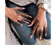 . Latest Henna Designs, Finger Henna Designs, Henna Art Designs, Mehndi Designs For Fingers, Beautiful Henna Designs, Mehendi, Henna Mehndi, Henna Tattoo Hand, Hand Tattoos