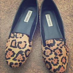 Steve Madden Leopard Loafers Very stylish loafer, Good condition size 10 Steve Madden Shoes