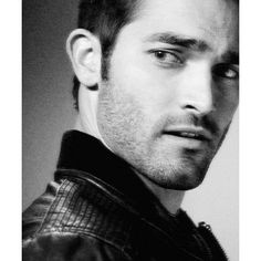 Derek Hale TEEN WOLF SO HOT teen wolf ❤ liked on Polyvore featuring teen wolf, tyler hoechlin, men et pictures