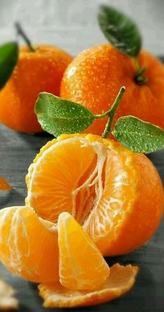 MANDARYNKA . Honey or Murcott. Wonderfully sweet tangerine flavor and juicy. Very small